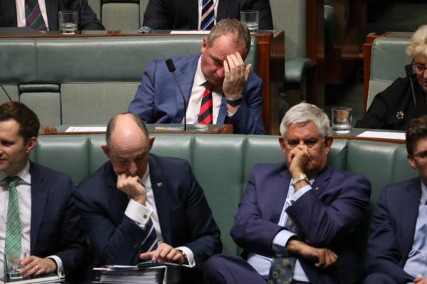 Scott Morrison's government staves off defeat on Nauru bill