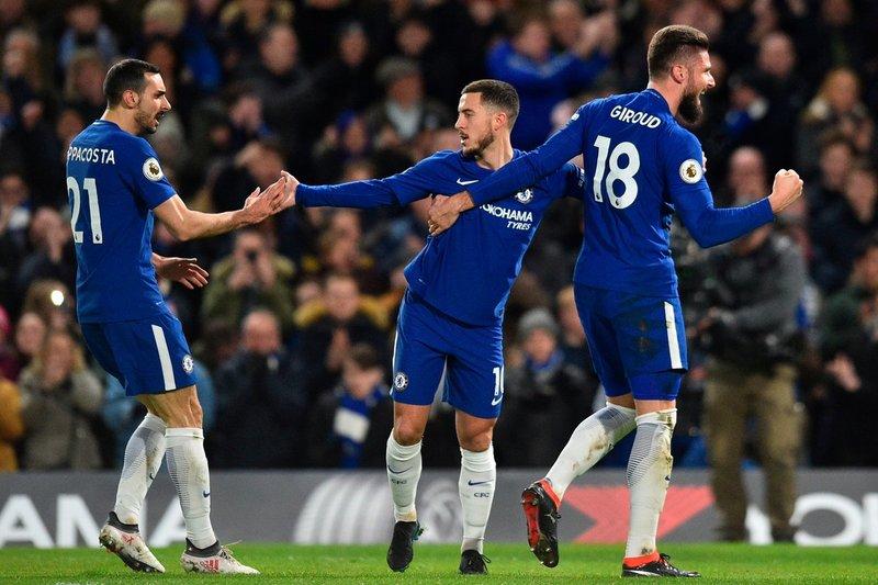 La celebración del 1-0: Zappacosta, Hazard y Giroud