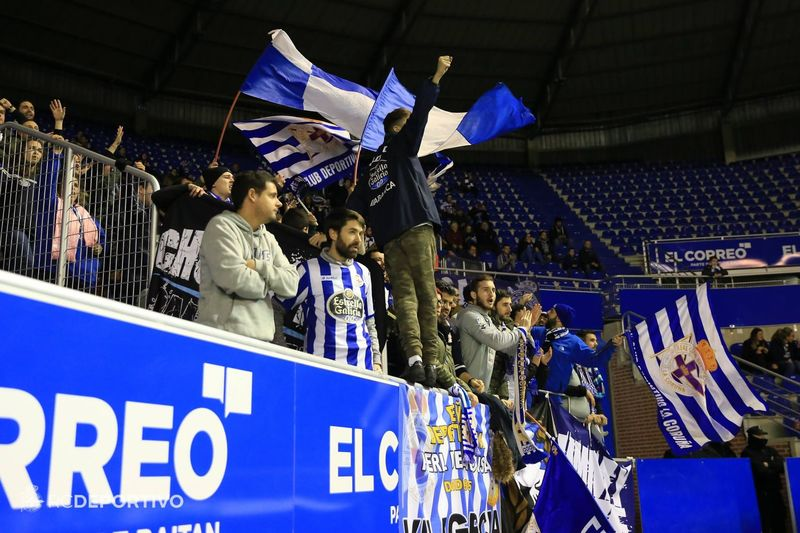 Los aficionados del Dépor también buscarán la victoria en Mendizorroza | @RCDeportivo
