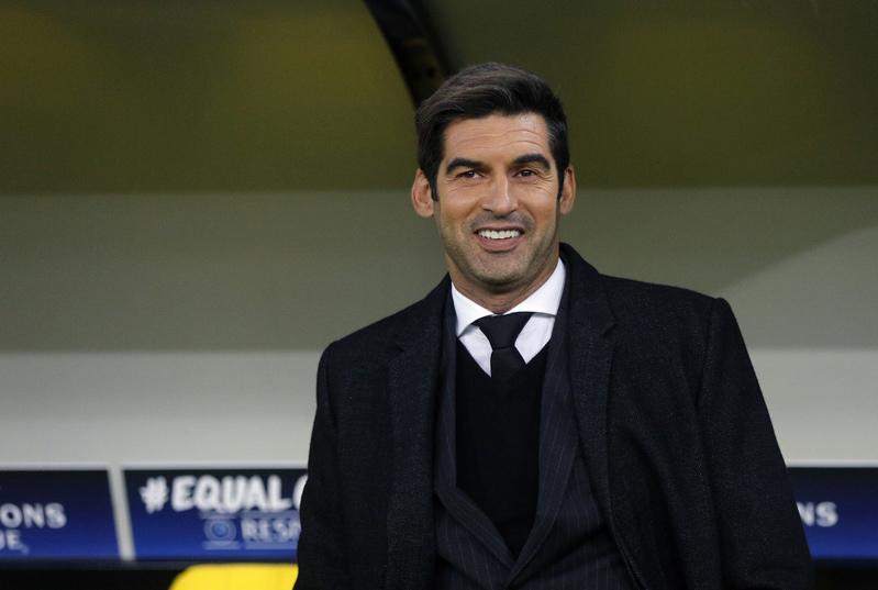 Paulo Fonseca, técnico del Shakhtar, sonríe ante las cámaras (AP)