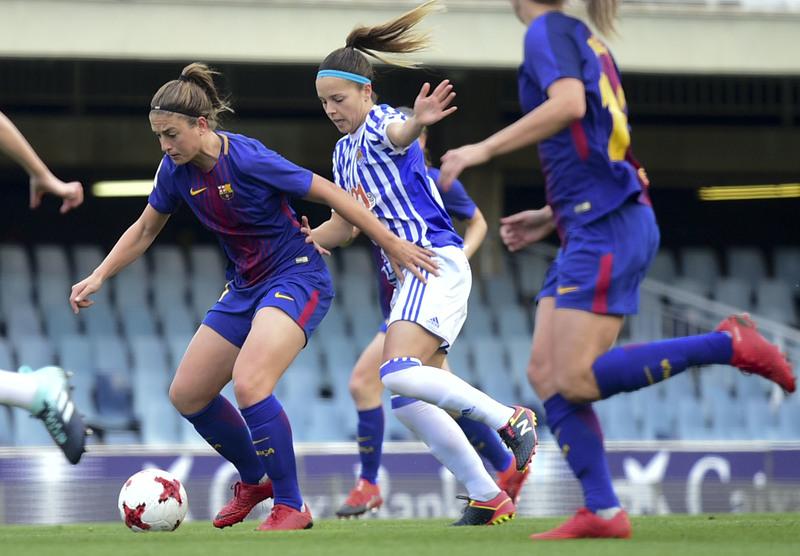 Alexia Putellas durante el partido contra la Real en el Miniestadi. (Manel Montilla)