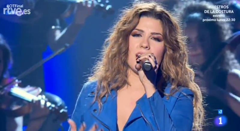 Miriam, arrasando sobre el escenario.