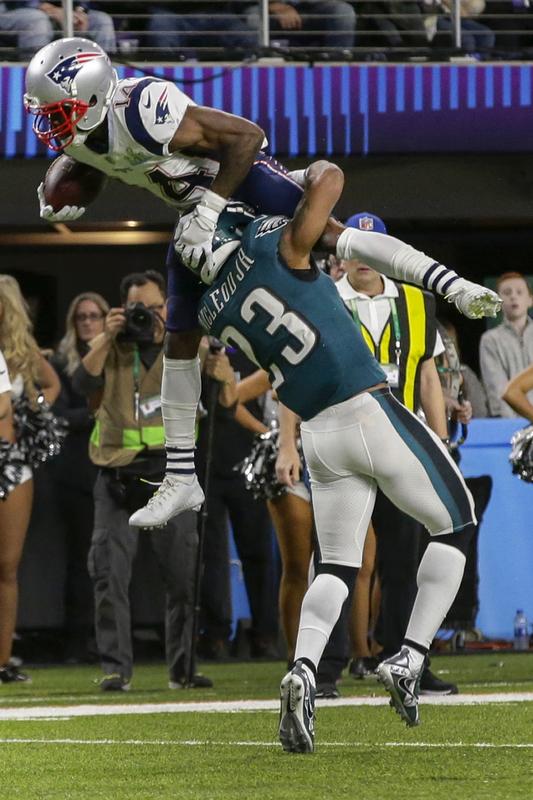 Cooks ha recibido un duro placaje y no ha vuelto al partido (FOTO AP)