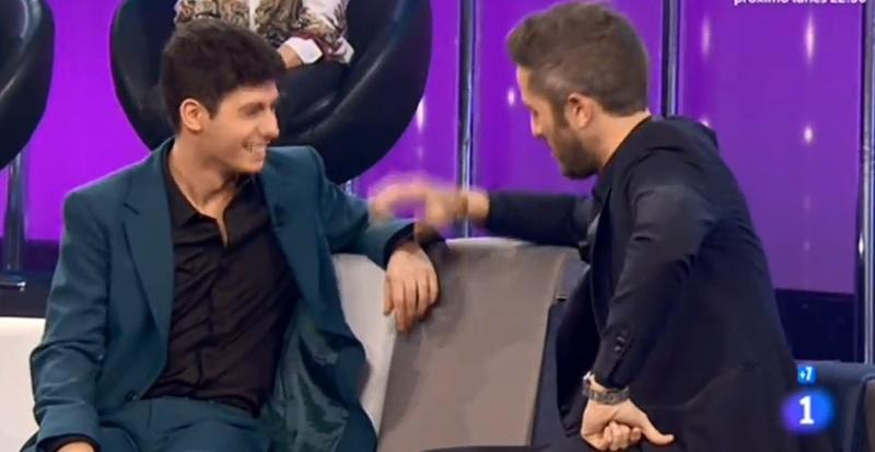 Roberto Leal, con Alfred.
