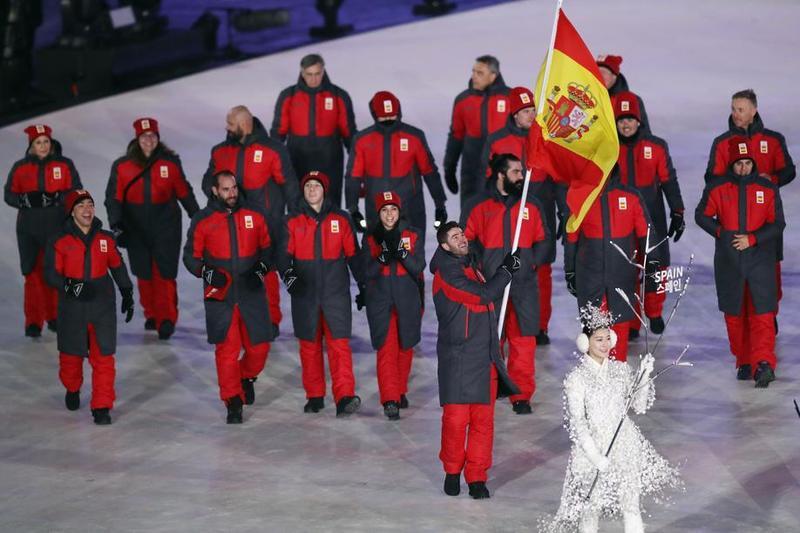 El equipo español ha desfilado detrás de Lucas Eguibar en la ceremonia de apertura de los Juegos Olímpicos de PyeongChang (Getty)
