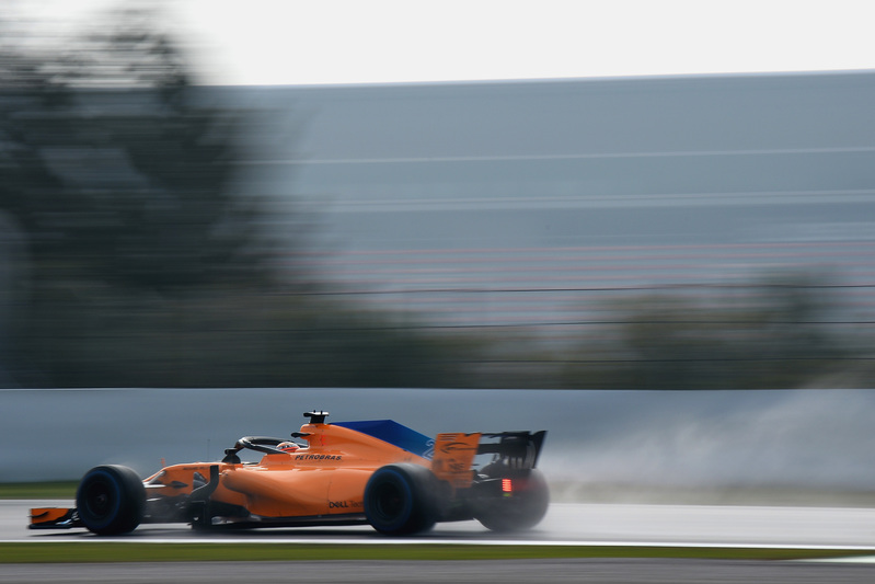 Imagen del belga Vandoorne de esta misma mañana rodando en los test de F1 de Montmeló - FOTO: GETTY