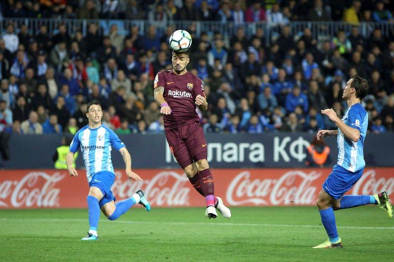Así ha cabeceado Luis Suárez en el 0-1 FOTO: EFE