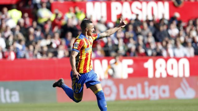 Rodrigo celebra el primer tanto    LFP