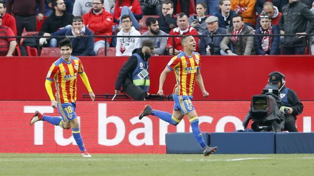 Rodrigo le está dando la tarde al Sevilla    LFP