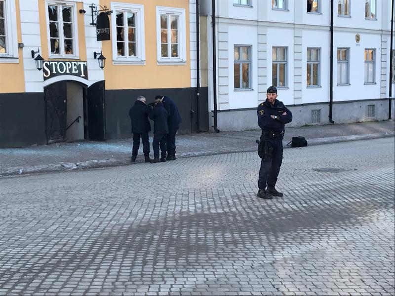 Bomb detonerades utanfor liverpool