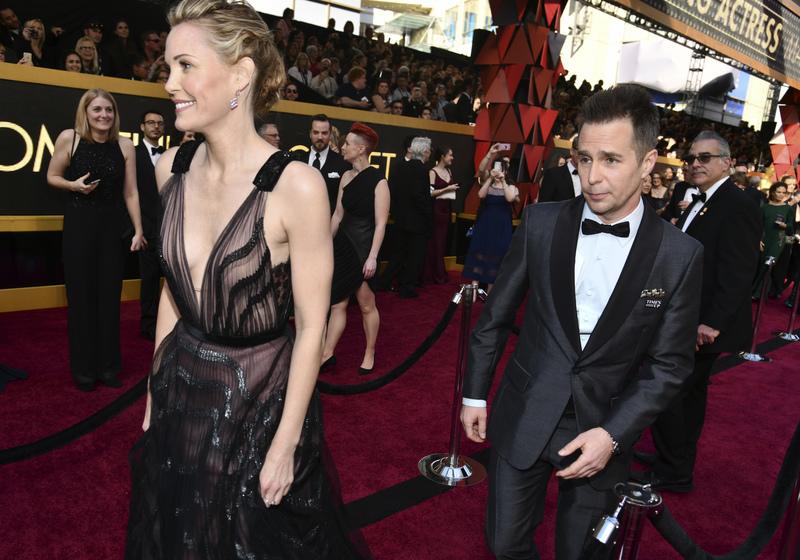 Sam Rockwell, uno de los favoritos al Oscar al mejor actor de reparto, ya está en el  Dolby Theatre de Hollywood (AP)
