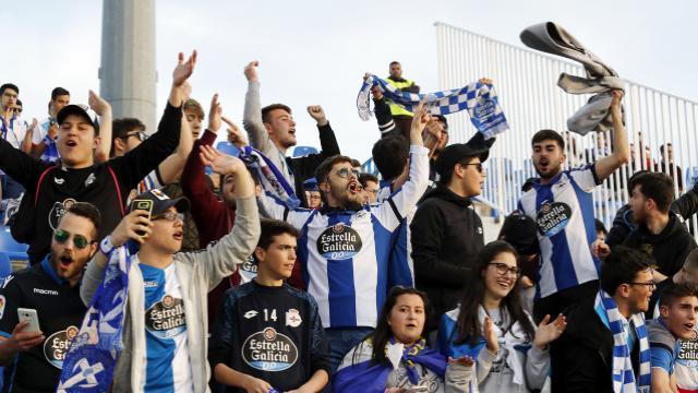 La afición del Deportivo se desplazó en masa a Butarque. LFP