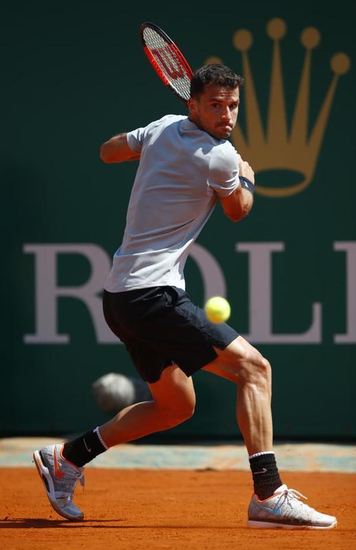 Grigor Dimitrov, pegando mucho de revés en esta semifinal. Lo busca Rafa Nadal FOTO: GETTY