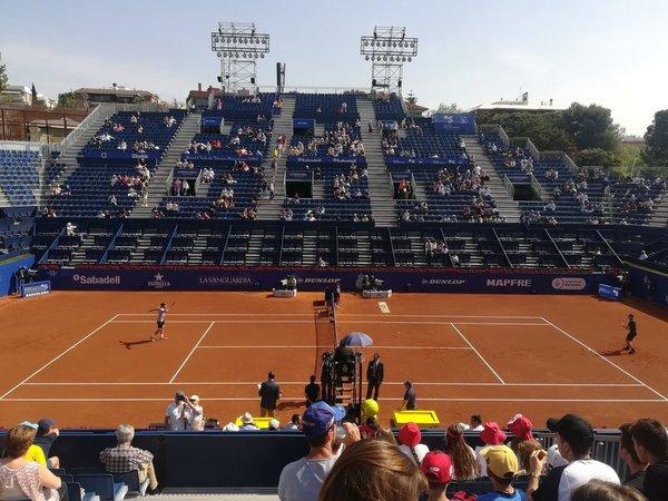 Instantánea del partido en la Pista Rafa Nadal entre Dominic Thiem y Josef Kovalik
