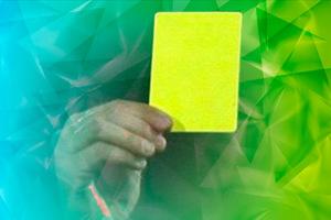 Min 53 Amarilla también para Garay por protestar.