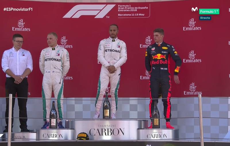 Hamilton en lo más alto del podio.