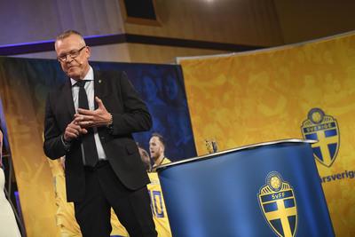 Så här ser Janne Andersson ut när han presenterar en VM-trupp. Foto  Pontus  Lundahl TT. 71ea46c6bd2ab