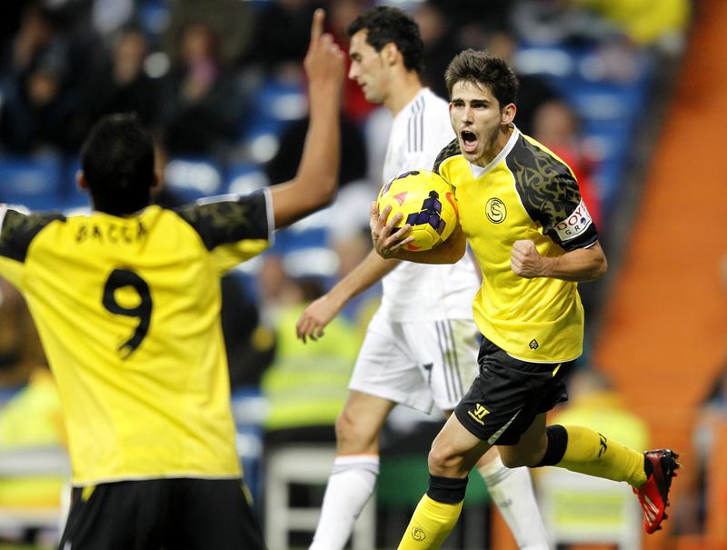 Carlos Bacca es una pesadilla para el Real Madrid (J.A.S)