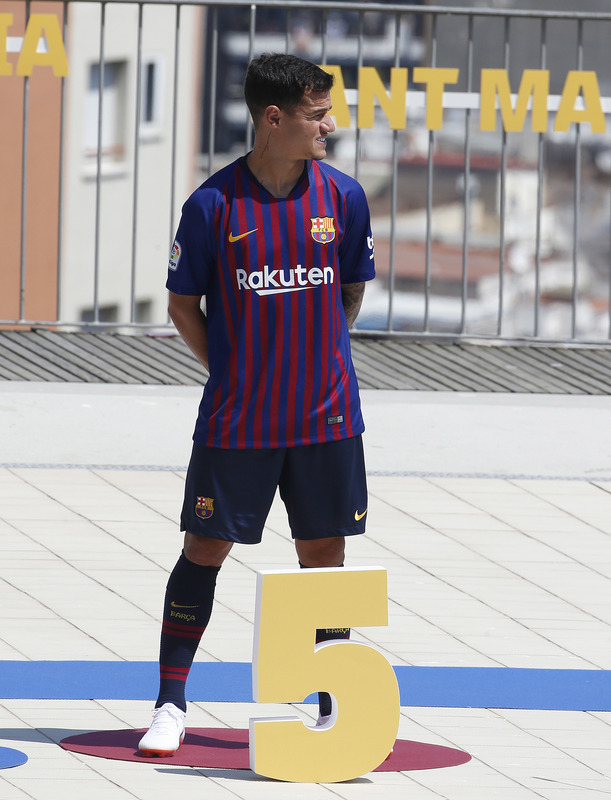 Coutinho, en la presentación de la nueva camiseta