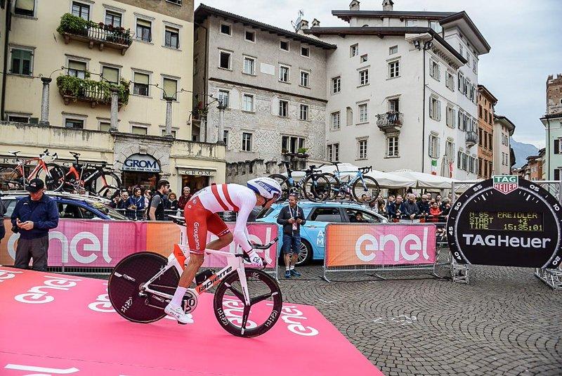 GEORG PREIDLER (Groupama FDJ) es 6º en el primer punto intermedio de esta 16ª etapa del Giro de Italia