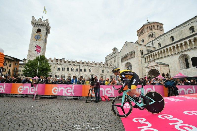 JOS VAN EMDEN (Lotto Jumbo), mejor tiempo en el primer punto intermedio de esta 16ª etapa del Giro de Italia