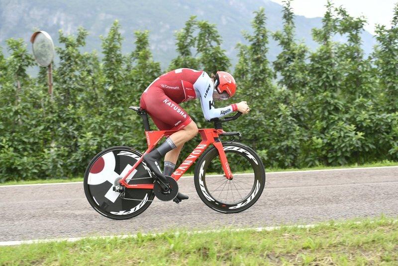 ALEX DOWSETT (Katusha), mejor tiempo provisional de la contrarreloj del Giro de Italia. ¡40'40' para el británico!