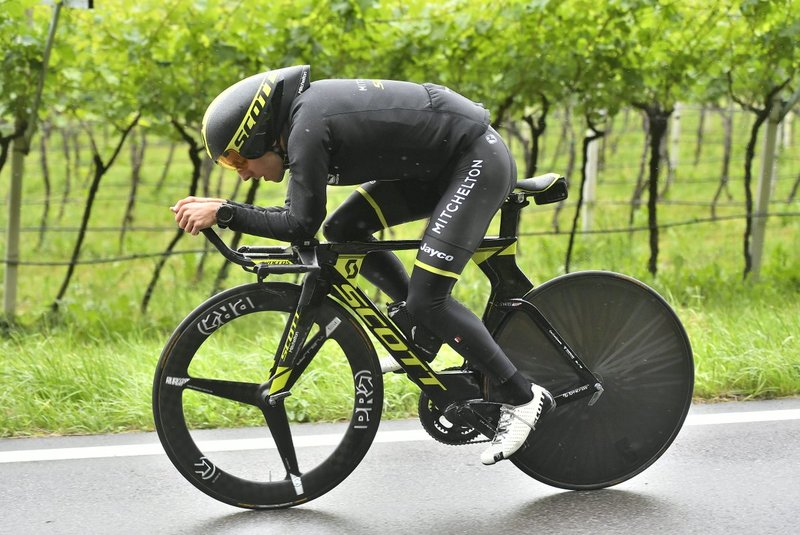 ETAPA importante en el Giro para Simon Yates (Mitchelton Scott). Tiene 2'11' de margen en la general sobre Tom Dumoulin (Sunweb)