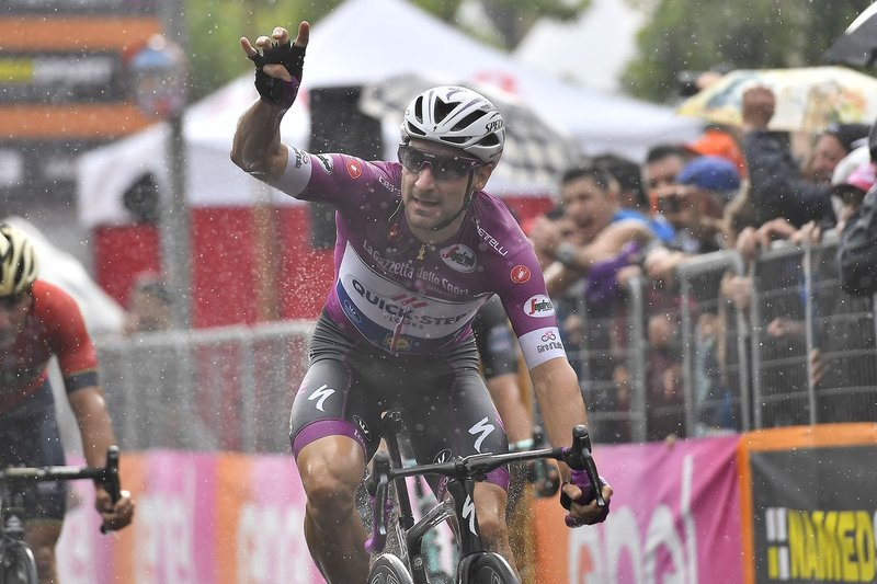 GIRO IMPRESIONANTE de Elia Viviani (Quick Step). ¿Conseguirá una 5ª victoria de etapa en Roma?