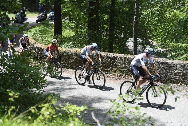 CHRIS FROOME (Sky) ha rebentado el Giro de Italia en la subida al Colle delle Finestre. Ciclismo ofensivo en mayúsculas