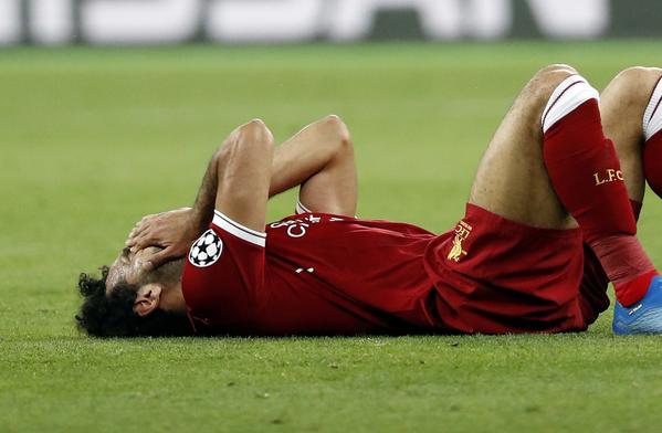 Salah, entre lágrimas tras lesionarse en la final de Champions League