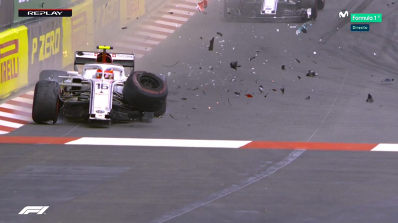 Leclerc perdiendo una rueda.