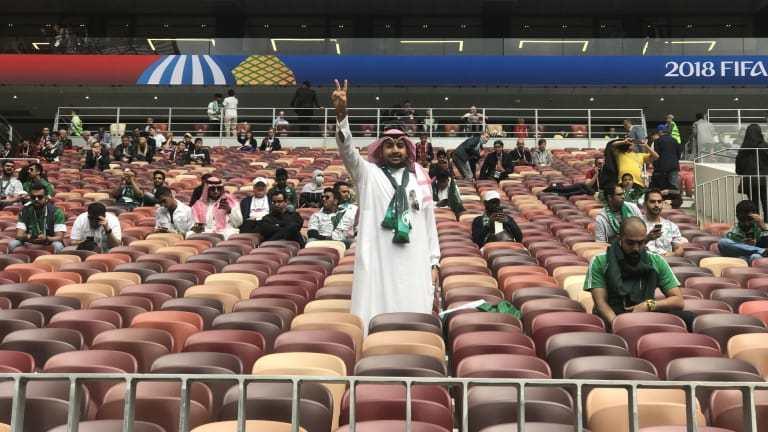 Un aficionado de Arabia Saudí ya aguarda impaciente el debut de su selección
