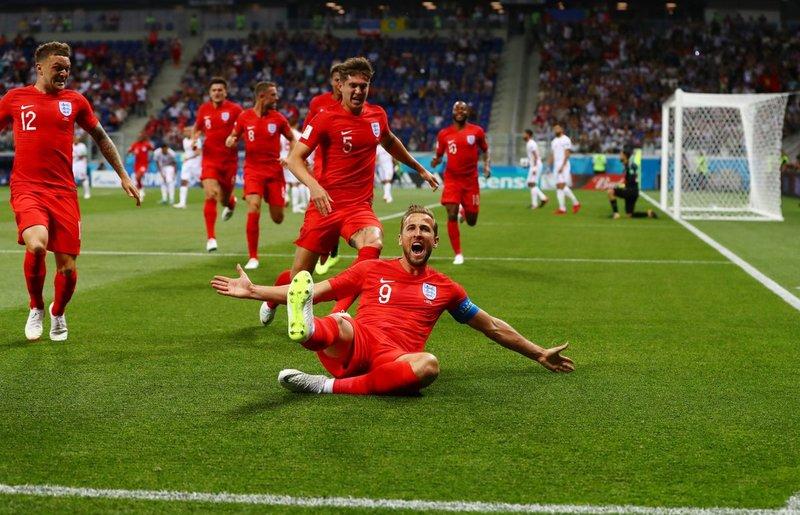 Celebración del gol de Kane. England