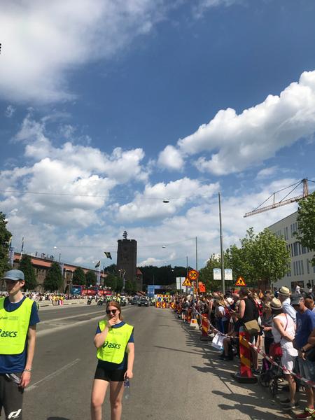 Svalkande moln över Stockholms Stadion strax innan starten av Stockholm Marathon 2018.