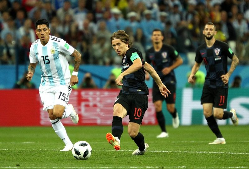 Modric no participó nada en la primera mitad. Argentina
