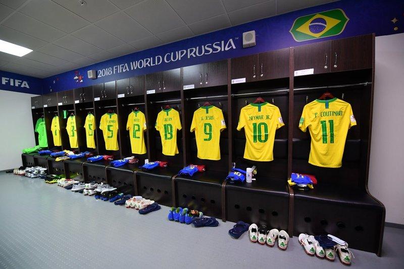 Vestuario de Brasil antes del partido. fifaworldcup_pt