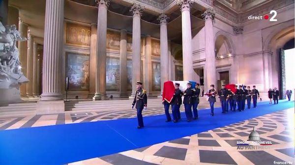 Simone Veil et son époux Antoine au Panthéon : revivez la cérémonie présidée par Emmanuel Macron 1c89b045-0cf1-4e06-8840-c6cfb1eefcff