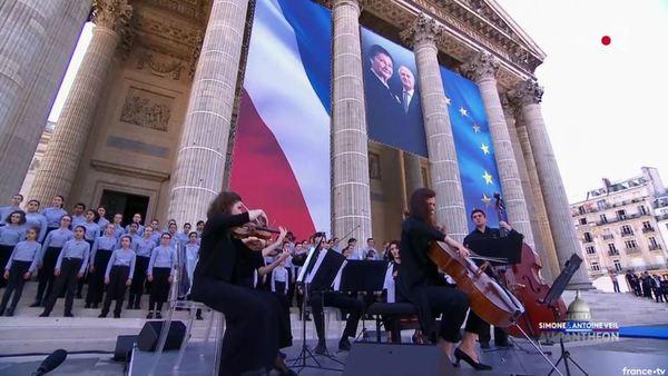 Simone Veil et son époux Antoine au Panthéon : revivez la cérémonie présidée par Emmanuel Macron 6e7ec837-399d-499d-b43f-3390cc43c96d