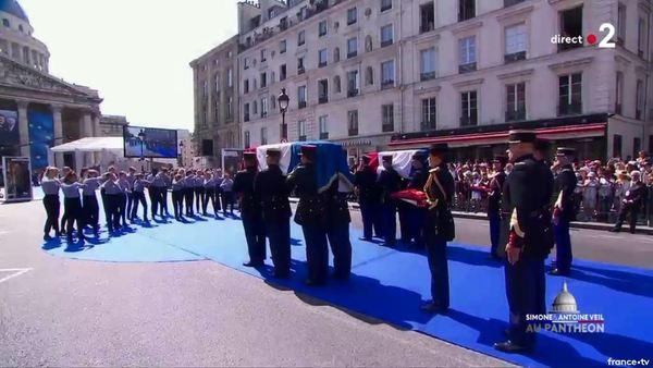 Simone Veil et son époux Antoine au Panthéon : revivez la cérémonie présidée par Emmanuel Macron F8399f79-3dba-47f6-b52e-d0c0f8ea19ba