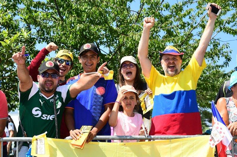 6 colombianos compiten en el Tour de Francia 2018. ¡La afición los acompaña en territorio francés!