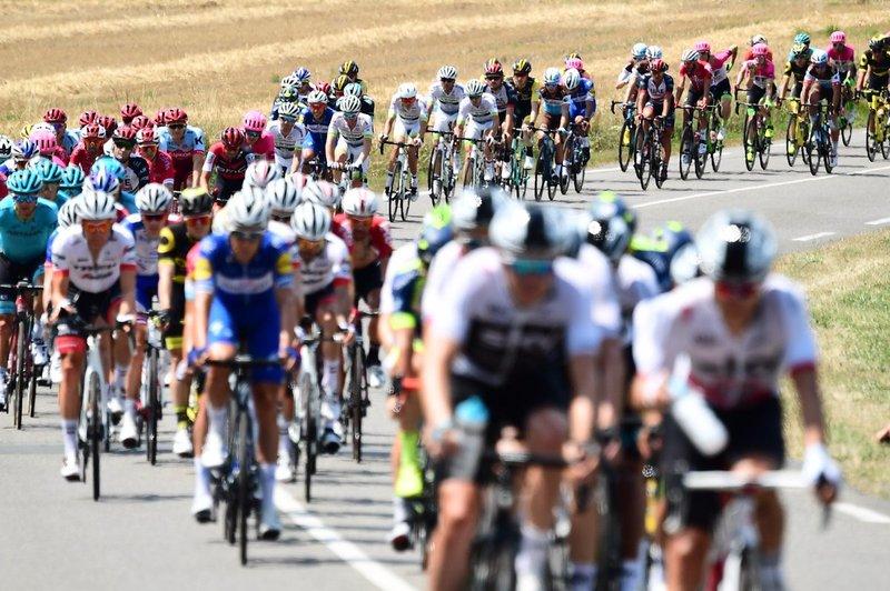 EL PELOTÓN DEL TOUR DE FRANCIA, un clásico del ciclismo mundial