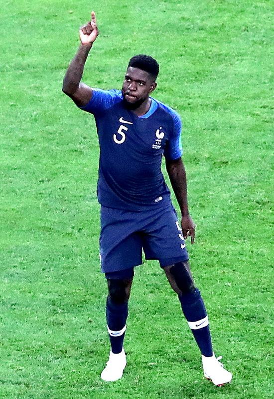 Así ha celebrado el gol Samuel Umtiti, que pone por delante a Francia en una emocionante semifinal FOTO: EFE
