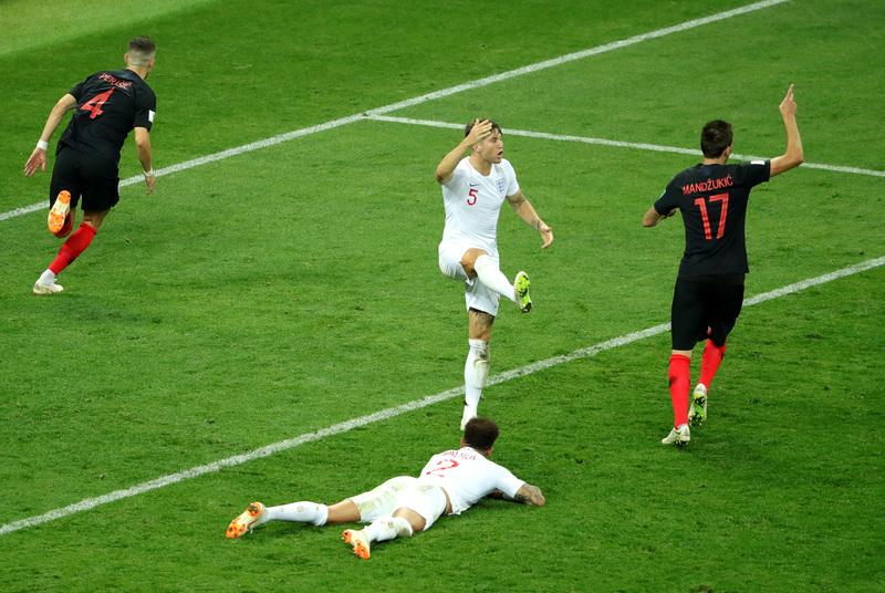 Los ingleses pidieron falta en la acción de gol de Perisic