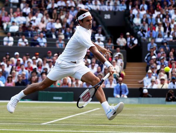 Roger Federer, al límite. 9-8 sirviendo Kevin Anderson en el quinto set. 3h.53' de partido FOTO: GETTY