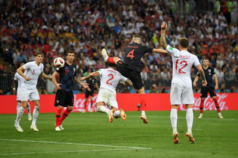 Así ha logrado Perisic el empate para Croacia, anticipándose a Kyle Walker