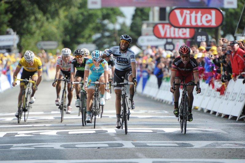 CADEL EVANS fue el primer ganador en el Muro de Bretaña en el Tour de Francia. Fue en la edición de 2011 y ganó a Alberto Contador en una llegada muy rápida