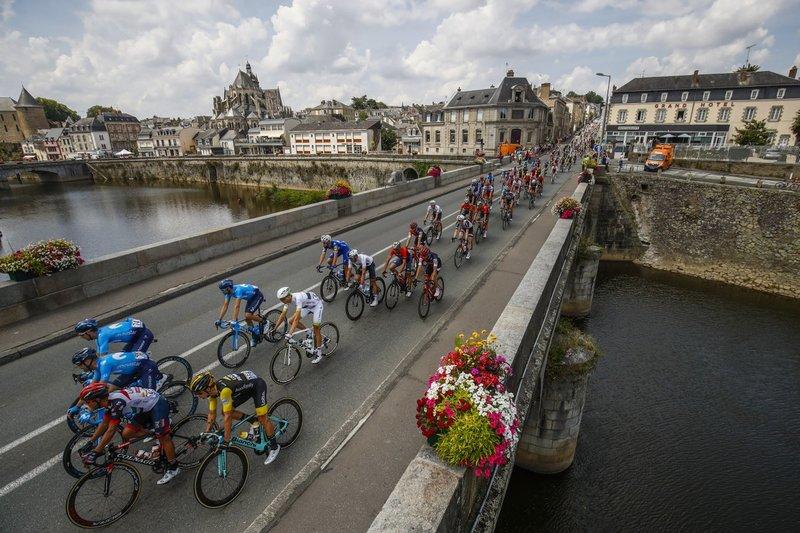 El pelotón del Tour de Francia 2018 durante esta 7ª etapa entre Fougères y Chartres