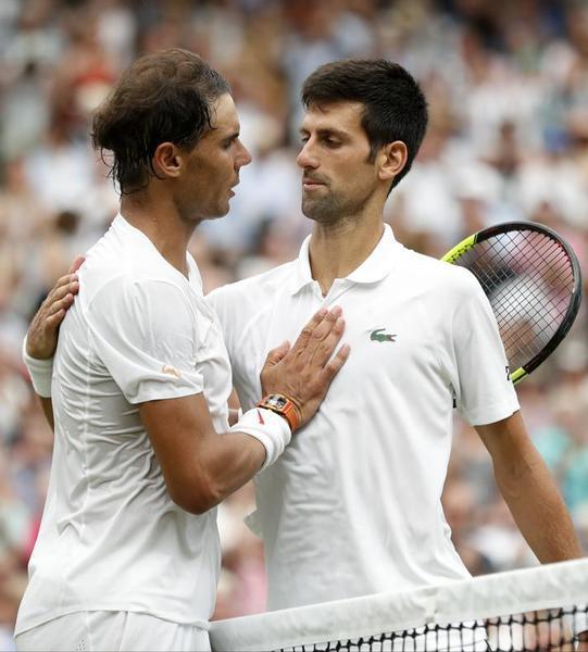 Novak Djokovic ganó en semifinales a Rafa Nadal, en un extraordinario partido que cambió la programación del sábado. La final femenina, en marcha con retraso de más de dos horas FOTO: GETTY