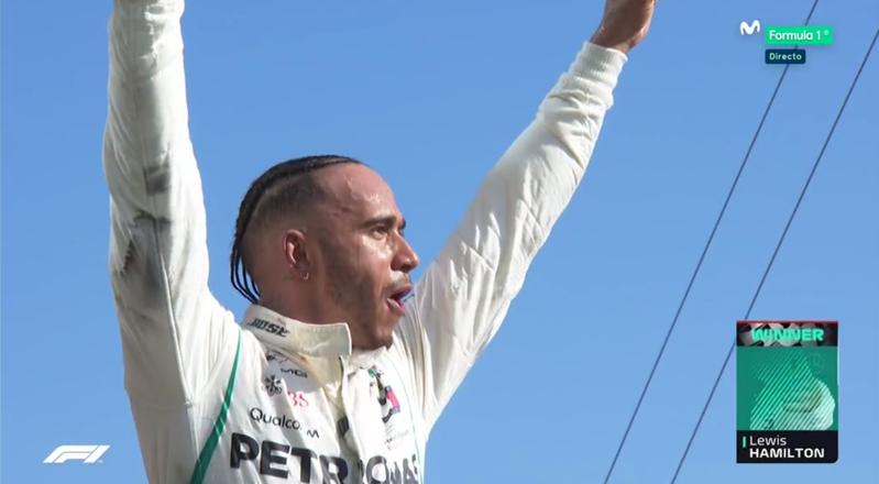 Hamilton celebrando.