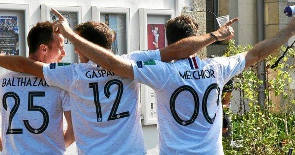 Ménès se prépare à fusiller les Bleus après Uruguay-France — EdF